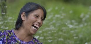 Guatemala: Playful women